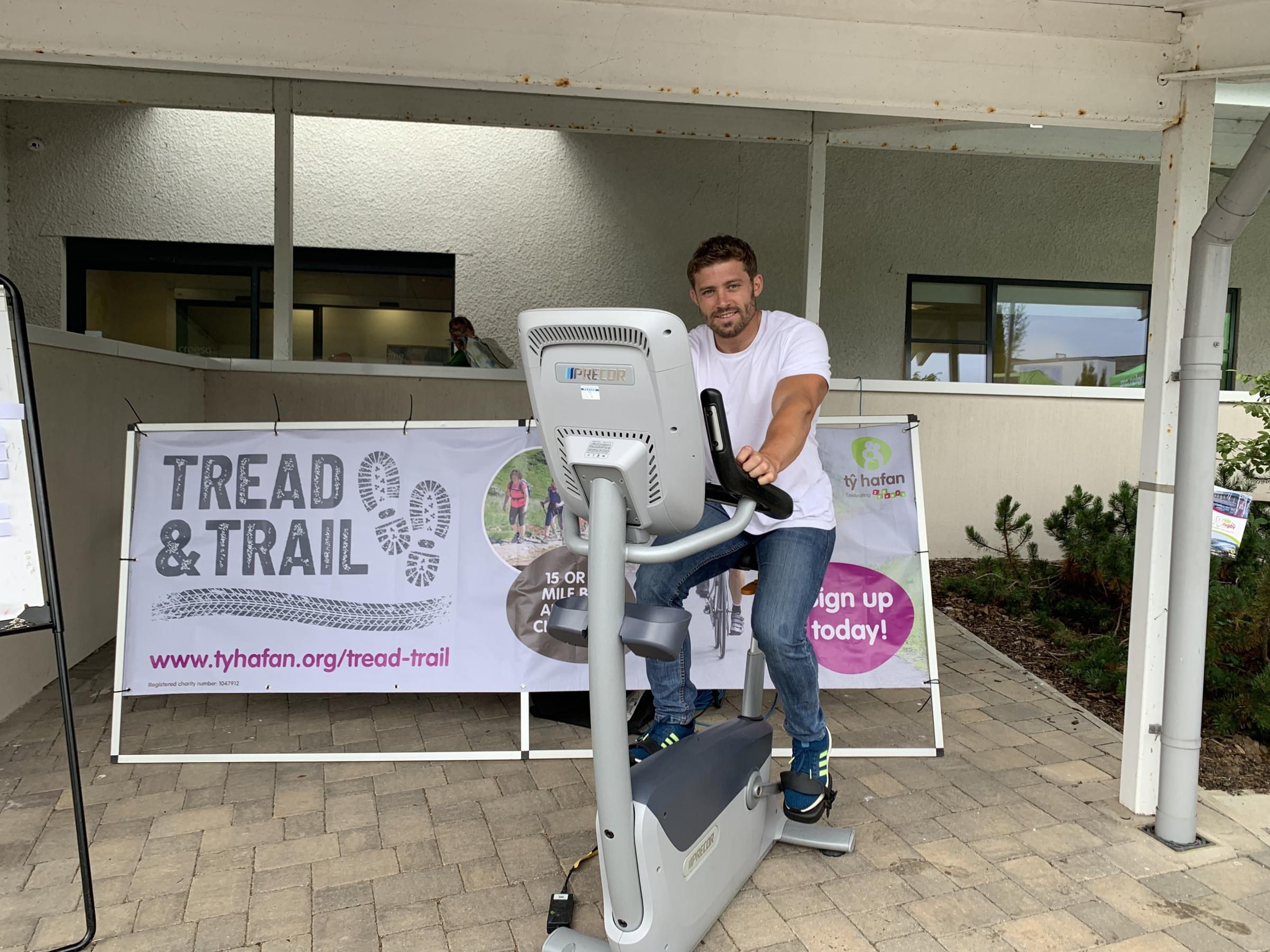 Tŷ Hafan children's hospice ambassador Leigh Halfpenny launches Brecon Beacons Tread & Trail challenge
