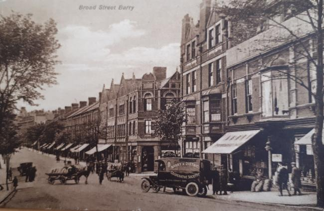 Broad Street, Barry