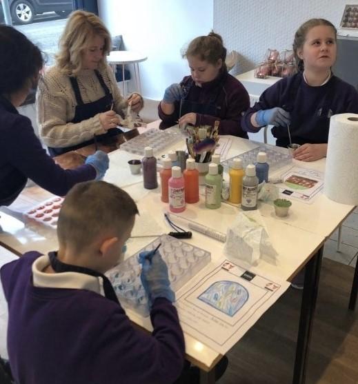 Barry Ysgol St Curig pupils make fine chocolate choices