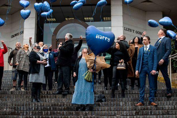 Barry And District News: Harry Baker's family and friends release balloons on the steps of Newport Crown Court (Image: Chris Fairweather/Huw Evans Agency)