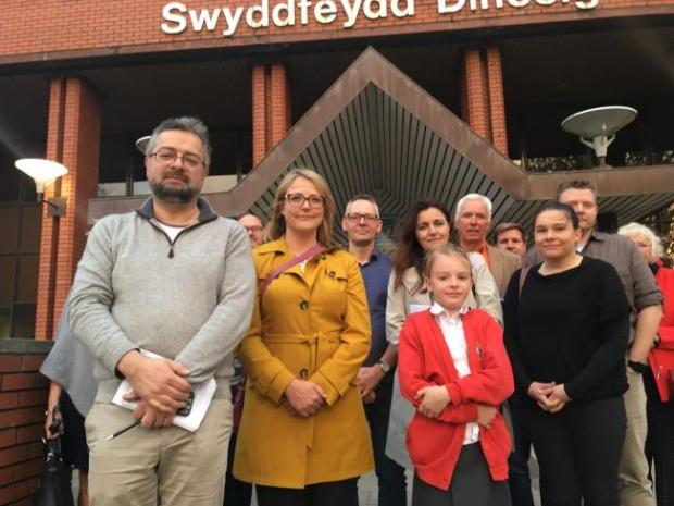 Barry And District News: Llancarfan Primary School campaigners back in 2018 who wanted to stop the school from closing