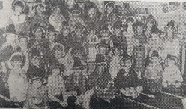 Barry And District News: Pupils of Victoria School in their traditional Welsh costumes