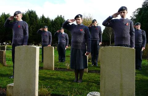 Cadets of 372 (Barry) Squadron pay their respects.