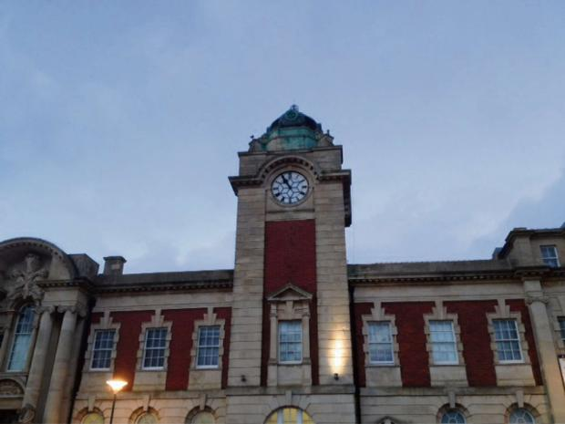 STOPPED CLOCK: Barry Town Hall (3371022)