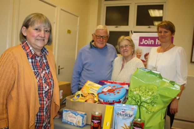 FOOD FOR THOUGHT: Barry Weight Watchers donate items to the Vale Foodbank (4482342)