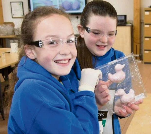 SCIENCE: Cadoxton pupils making bath bombs