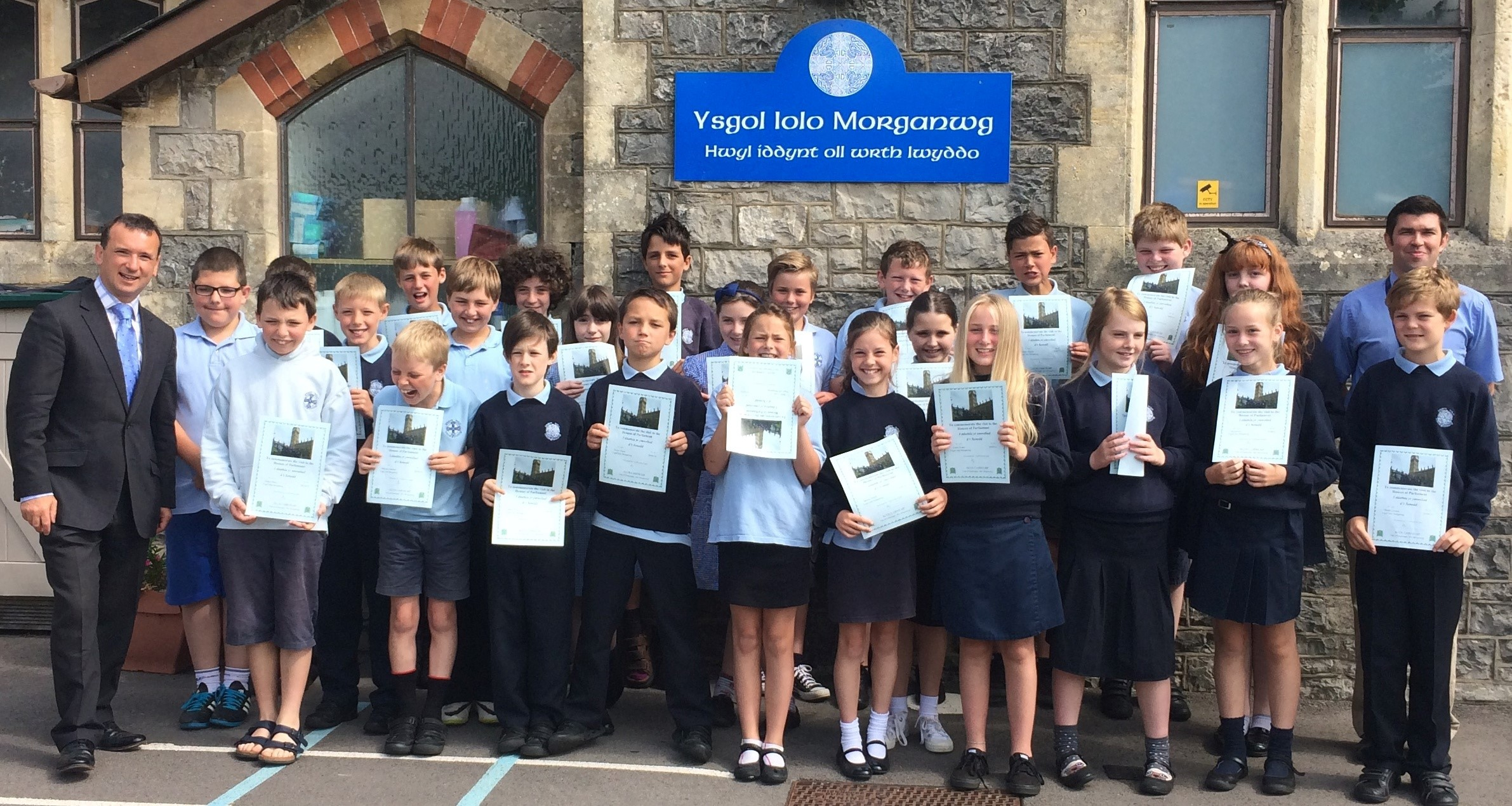 CERTIFICATES: Alun Cairns with Ysgol Iolo Morganwg pupils