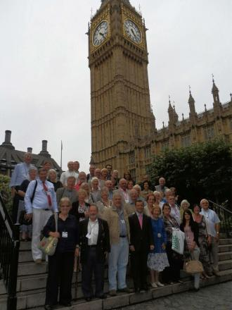 TOUR: Alun Cairns MP with constituents from Barry and the Vale of Glamorgan at Westminster