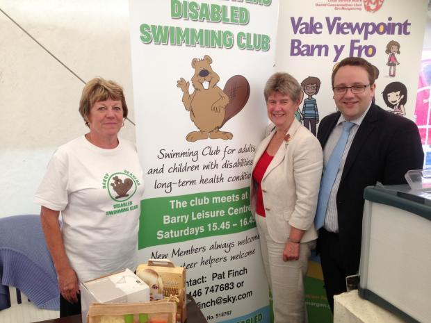 VALE SHOW: Jane Hutt AM with Cllr Chris Elmore at the Barry Beavers Swimming Club stall (9456510)