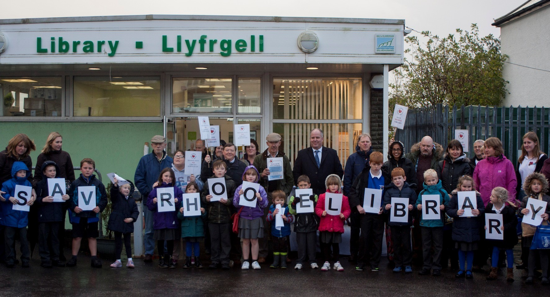 Rhoose library campaigners are going to the High Court to oppose library closure