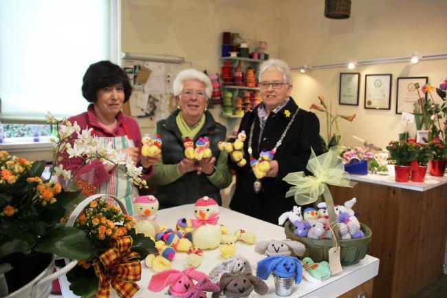 Barry Soroptimists donate knitted chicks to Velindre Appeal